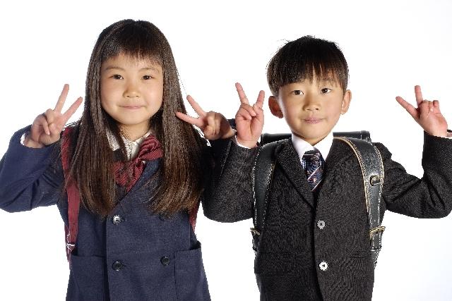 小学校入学の男女