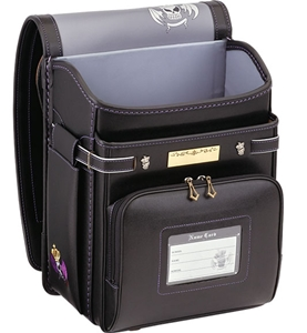 萬勇鞄ランドセルの新作スカルキングは、黒ベースでどくろの刺繍が斬新な男の子向けランドセルです。