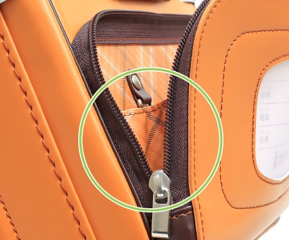 羽倉ランドセルの前ポケットは大容量。